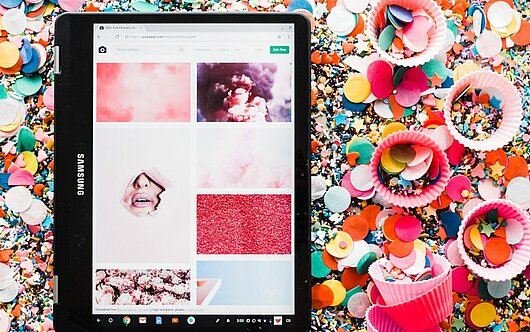 Tablet with confetti